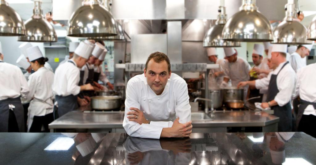 chef-daniel-humm-transforma-restaurante-com-estrela-michelin-em-cozinha-de-caridade