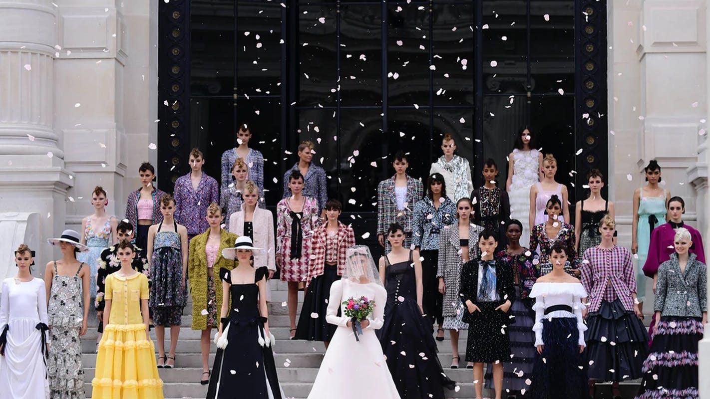 Chanel retorna às passarelas de Paris