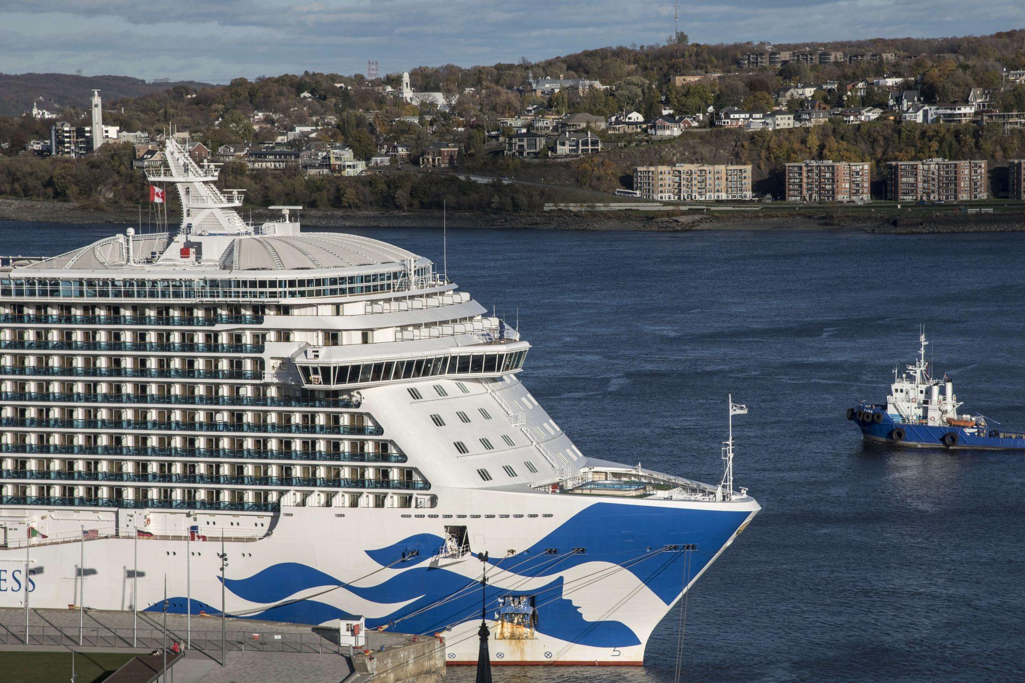 Canadá suspenderá proibição de navios de cruzeiro em novembro